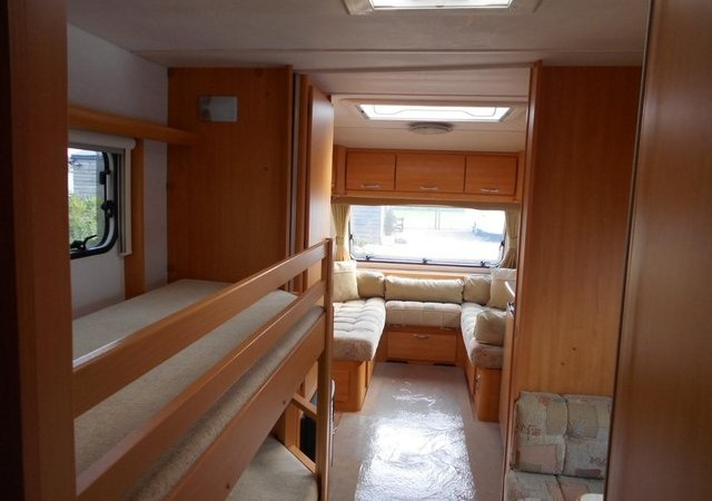 2007 Geist Aktiv 565 5 Berth With Movers And Awnings